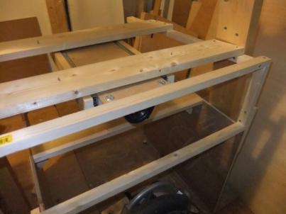 The right-hand yoke-holder assembly